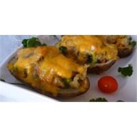 Yemek Guru 'dan Çedar Peynirli Fırında Patates