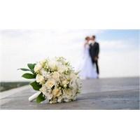 Yaz Düğünlerinde Atlanmaması Gereken 10 Madde