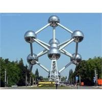 Dünyanın En Orjinal Yapılarından - Atomium