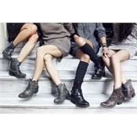 Özgür Ruhlu Çizmeler