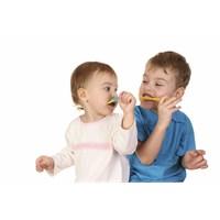 Okul Çağındaki Çocuğunuzun Dişlerini Nasıl Korursu