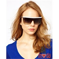 Bayan Gözlük Modası : Beyaz Trendler