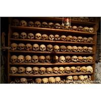 Meteora'da Saklanan Kafatasları Ve Dahası