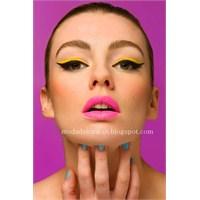 Renkli Eyeliner Modası