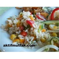Pirinç Salatası..Harika Bir Meze Aynı Zamanda..
