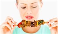 Yemek Yerken Doğru Bilinen Yanlışlar