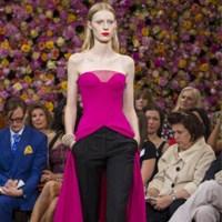 Kabarık Etekleriyle Romantik Dior Elbiseleri