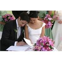 Evlilik İçin En İdeal Yaş Hangisi ?