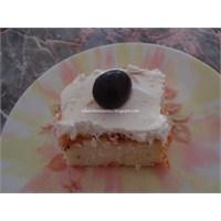 Havuçlu- Cevizli İrmik Pastası