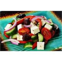 Salata Horiatiki Tarifi
