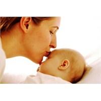 Bebek Bekleyen Annelerin Dikkatine