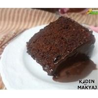 Çikolata Soslu Harika Bir Kek