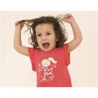 Çocuğunuzun Saçını Yolmasını Önemseyin