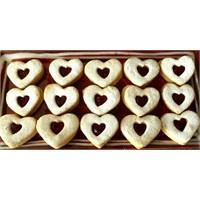 Sevgililer Günü Kurabiyesi - Yogurtkitabi.Com