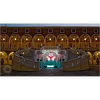 Monaco Kraliyet Sarayından Yılbaşı Dekorasyonu