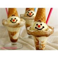 Google'dan Dondurmalı Sundae Logosu