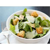 Formda Kalmak İçin Salata Yiyin