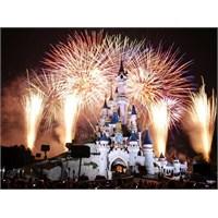 Disneyland Paris Sizi Çağırıyor