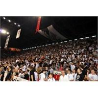 Derbide Beşiktaş Taraftarı Yok