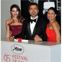 """Türk Yönetmene """"Altın Palmiye Ödülü"""""""