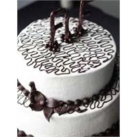 Beyaz Çikolatalı Pasta Yapıyoruz