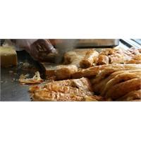 Ünlü Sarıyer Böreği Tarifi