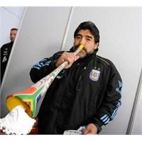 Vuvuzela Tasarımları Mı, Yok Üstü Kalsın… - Arşiv