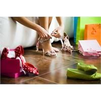 Kadın İçin Kaçıncı Ayakkabı Artık Fazladır?