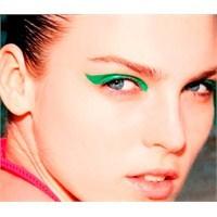 Yeni Trend: Neon Makyaj