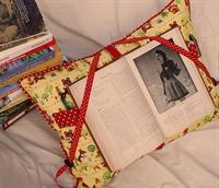 Süper Kitap Okuma Yastığı