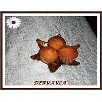 Kuru Üzümlü Ve Findikli Muffin