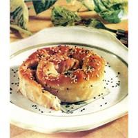 Patatesli Kıymalı Kol Böreği