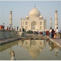 Görkemli Bir Aşk Abidesi: Tac Mahal