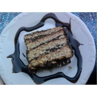 Evde Bisküvili Kolay Pasta Tarifi