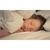 Uykumuzda Neden Üşürüz?