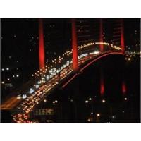 Otoyollara Ve Köprülere Para Akıttık