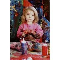 Bebekten Ressam, Kediden Çocuk Bakıcısı