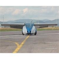 Aeromobil Adlı Uçan Araba