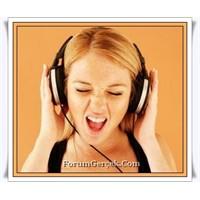 Kulaklıkla Müzik Dinlerken Sağır Olmayın