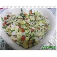 Kornişonlu Mevsim Salata