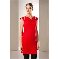 Ah Dedirtecek Kırmızı Renkli Elbiseler