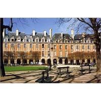 Paris Des Vosges Meydanı