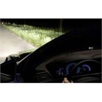 Akıllı Otomobil Dikkat Dağıtabiliyor