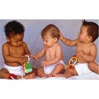 Bebeklerde Konuşma Gelişimi Nasıl Olur?