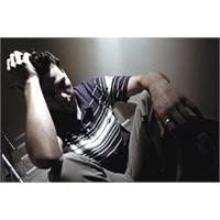 Erkekler Hangi Hallerde Depresyona Girer