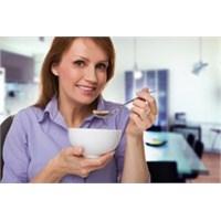 Menopoz Dönemi Özel Beslenme