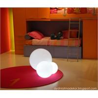 Slide Design'dan Havuzda Yüzen Glob Aydınlatma