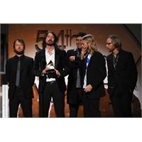 Dave Grohl, 54. Grammy'de Hayat Dersi Verdi!