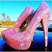 Yeni Yılda Sevgiliye Özel İlginç Ayakkabılar