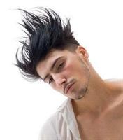 Saç Diplerini Güçlendirmek İçin Bi